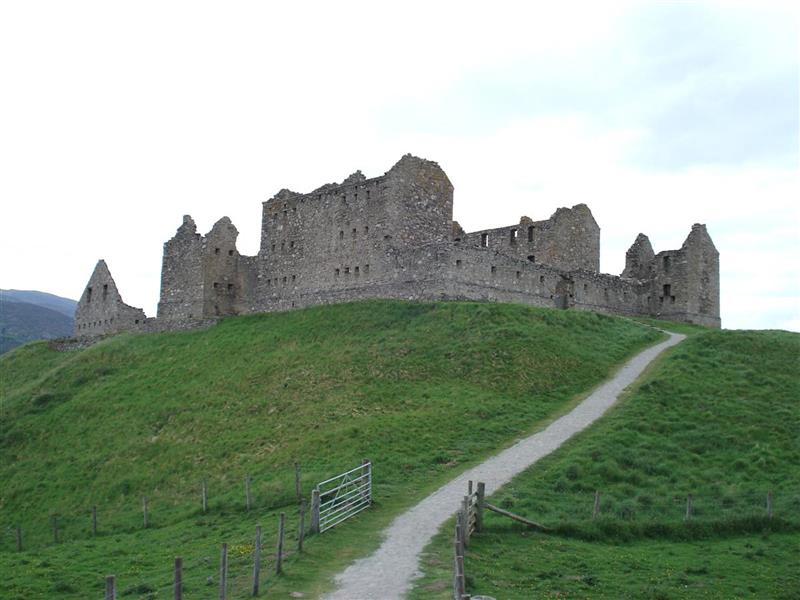 Photo of Ruthven Barracks © Andrew Taylor